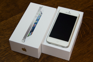 Apple iPhone 5 16GB, 32GB, 64GB
